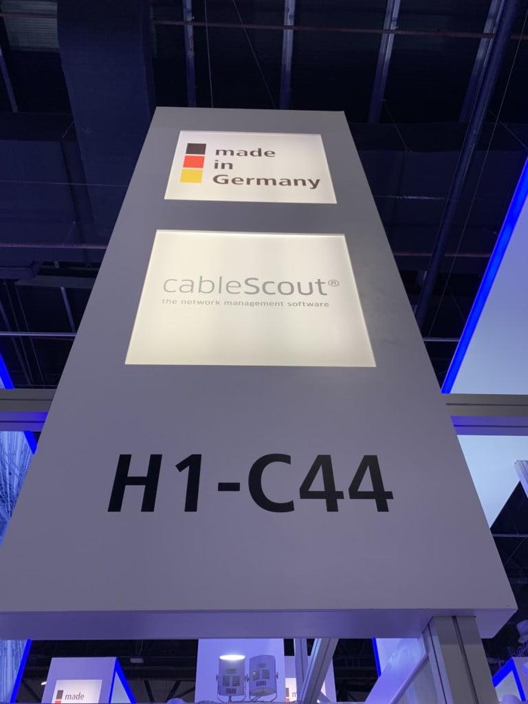 cableScout® booth auf der Messe Gitex in Dubai. Jo Software informiert über LWL-Netze und Fasermanagementlösungen